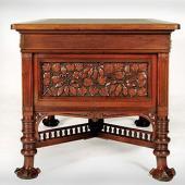 Библиотечный письменный стол с глубокой профильной резьбой и рельефными ножками